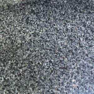 フロアーリングのための非常に歓迎されたG641ジョージアの灰色の花こう岩のタイル