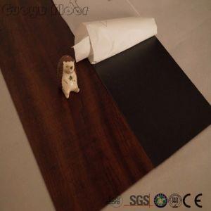 La Chine usine étanche résistant Lvt carrelage de sol en vinyle auto-adhésif