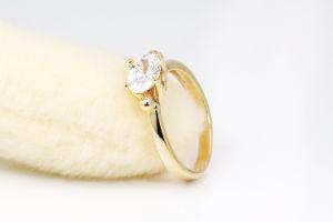 Современным стандартам 18K золотых ювелирных изделий Diamond кольцо для леди