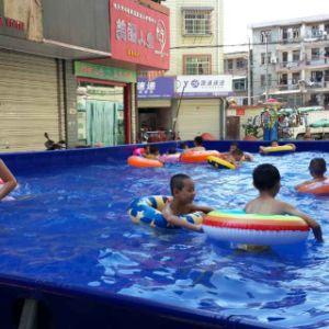 Au dessus du sol pour l'eau de piscine des Jeux du parc