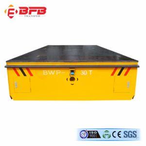 Под действием электропривода электрический Безбортовой Trackless передачи при работающем двигателе автомобиля на полу/соединение на массу