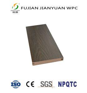 中国の製造業者ASA-PVCは木製のプラスチック合成のフロアーリングのDeckingのボードWPCのCo突き出た