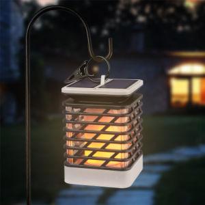 Angeschaltene flackernde LED Rasen-Solarlampe der im Freienflamme-