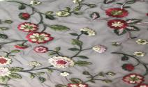 Blumen-Entwurf der Stickerei-100%Cotton anderer Entwurf und Farbe
