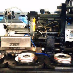 プラスチックびんのブロー形成機械伸張のブロー形成機械