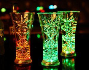 De Lichtgevende LEIDENE van Kerstmis Kleurrijke Koppen van de Partij/van de Bar/van de Wijn KTV/Bar