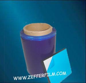 Film de protection bleu pour une surface métallique