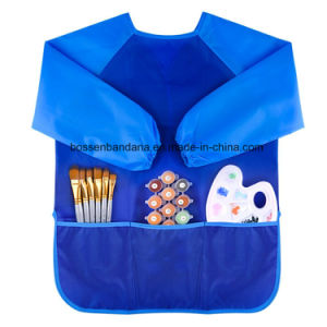 OEMによってカスタマイズされる子供はポリエステル絵画フィードプレーのエプロン胸当てのスモックの工場を防水する