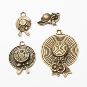 El bronce antiguo que la elaboración de encantos sombrero de vaquero colgante de la tapa