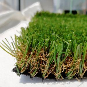 Migliore erba sintetica del tappeto erboso e tappeto erboso artificiale dell'erba per la decorazione