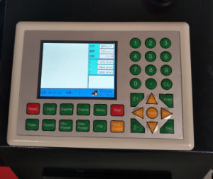 비금속 & 금속을%s 정밀도 CNC Laser 절단기 Flc1325A