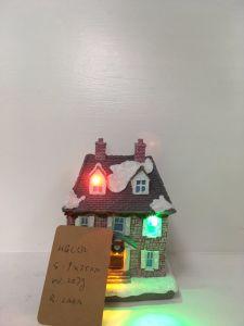 最もよい価格の樹脂の昇進のギフトとして物質的で小さいクリスマスの家