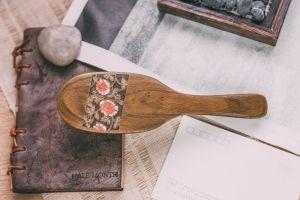 Pente para cabelo de madeira de lazer aromático