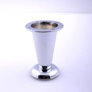 贅沢な鋳鉄の椅子の足の金属のクロムソファーの足