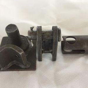 Metallo che timbra i morsetti di tubo per zona speciale