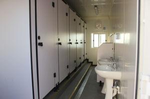 Wc móvel para o acampamento do trabalhador
