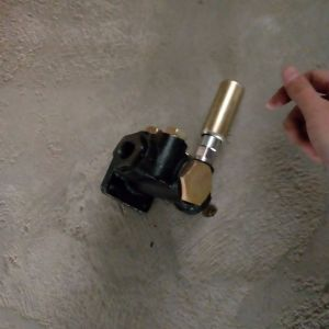 Jichaiのエンジン部分の燃料の注入ポンプ