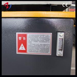 Classico delle parti di automobile che forma la macchina della pressa idraulica