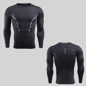 方法黒くおよび赤く長い袖の発疹はワイシャツメンズを守る