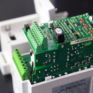 Invertitore a circuito chiuso di frequenza di controllo di vettore di tecnologia principale della Cina