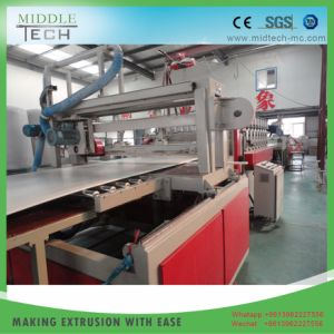 extrusion de plastique de la machine pour la croûte WPC/PVC mousse plinthe Conseil