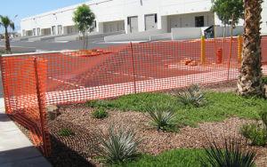 オレンジ警告の塀のプラスチック安全網
