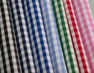 tela uniforme teñida de la camisa del hilado de materia textil de algodón del poliester de las verificaciones de 3m m