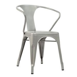 Tolixの産業電流を通された椅子(FS-D501)を食事する古典的なレストラン