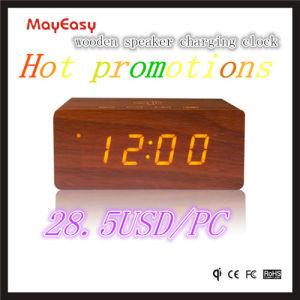 Bluetoothのスピーカーおよびチーの充電器が付いている最もよいギフト木LEDの目覚し時計