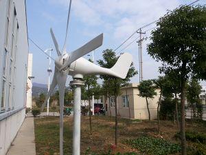 格子風力の発電機システムを離れて水平600W