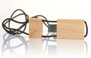 Madera de alta calidad USB Flash Drive con llavero (OM-W054)