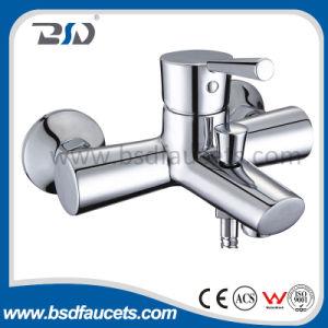 衛生製品水節約器のデッキによって取付けられる洗面器の蛇口