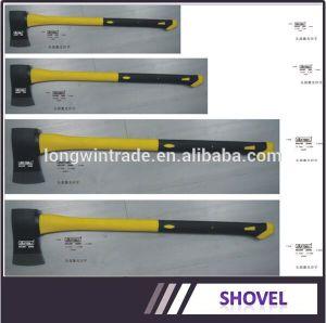 Ax com pega de madeira UM601