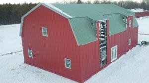 Estructura de acero de la luz de granja con aislamiento del techo de arco (KXD-SCD151)