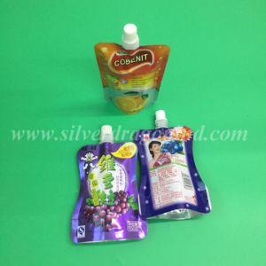 角の口の飲み物の包装袋が付いている袋を立てなさい