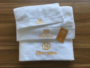 La alta calidad 100% algodón bordado toalla Hotel