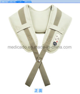 El mantón de masaje y el reverso de la columna vertebral del dispositivo de masaje