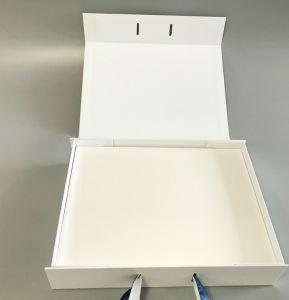 OEM facile à transporter de la forme de livre le pliage du papier Impression Naturl boîte cadeau