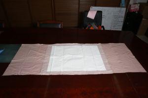 80X180cm病院の使用のための使い捨て可能なTuckableの翼のベッドUnderpad