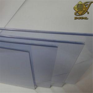 D'une épaisseur très clair de la feuille en PVC rigide