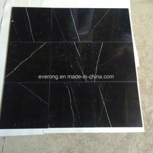 床及び壁のためのNero中国の磨かれたMarquinaの黒い大理石のタイル