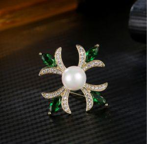 De AMERIKAANSE CLUB VAN AUTOMOBILISTEN de Kubieke Shell van Zircon van de Stijl van de Manier van Europa & van de Parel Retro Juwelen van de Broche van de Broche Dwars