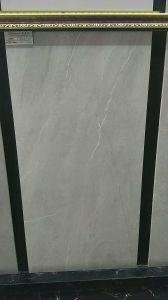 Het satijn verglaasde de Volledige Rustieke Tegel van het Lichaam voor de Decoratie van het Huis (600*1200mm)