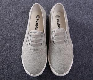 Clip sobre lienzo mujer zapatos casual