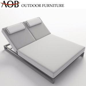Jardin extérieur moderne Home Hotel Resort de meubles en bordure de piscine Salon canapé-lit de plage bain de soleil lit de repos lit de soleil avec Table latérale