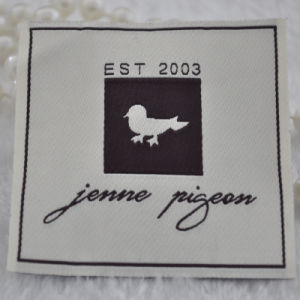 Personalizar la etiqueta de tela bordada privado