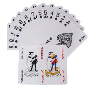 Mazza o insiemi della mazza o mazza di carta di gioco della Russia