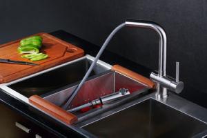 卸し売り高品質の単一のレバーの台所の流しのミキサー水