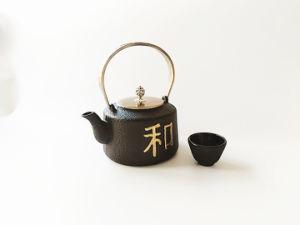 従来の鋳鉄のやかん水鍋