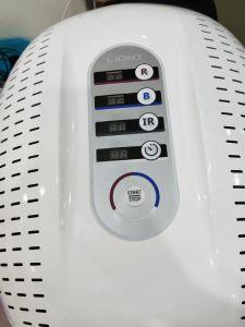 Luce infrarossa di Phototherapy LED che imbianca stringendo cura di pelle antinvecchiamento